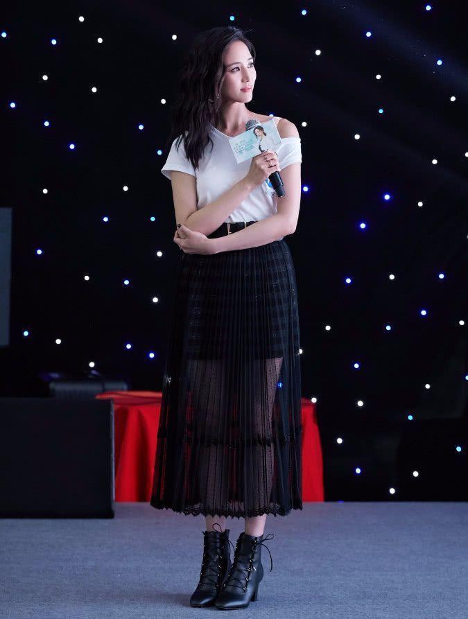 张钧甯(níng)走性感风简直秒杀柳岩! 时尚 第5张