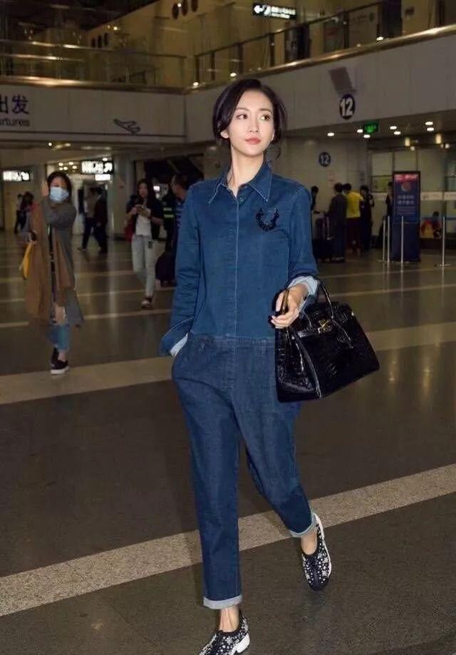 王鸥单身多年,穿衣服古怪随意,但不缺时尚范 时尚 第9张