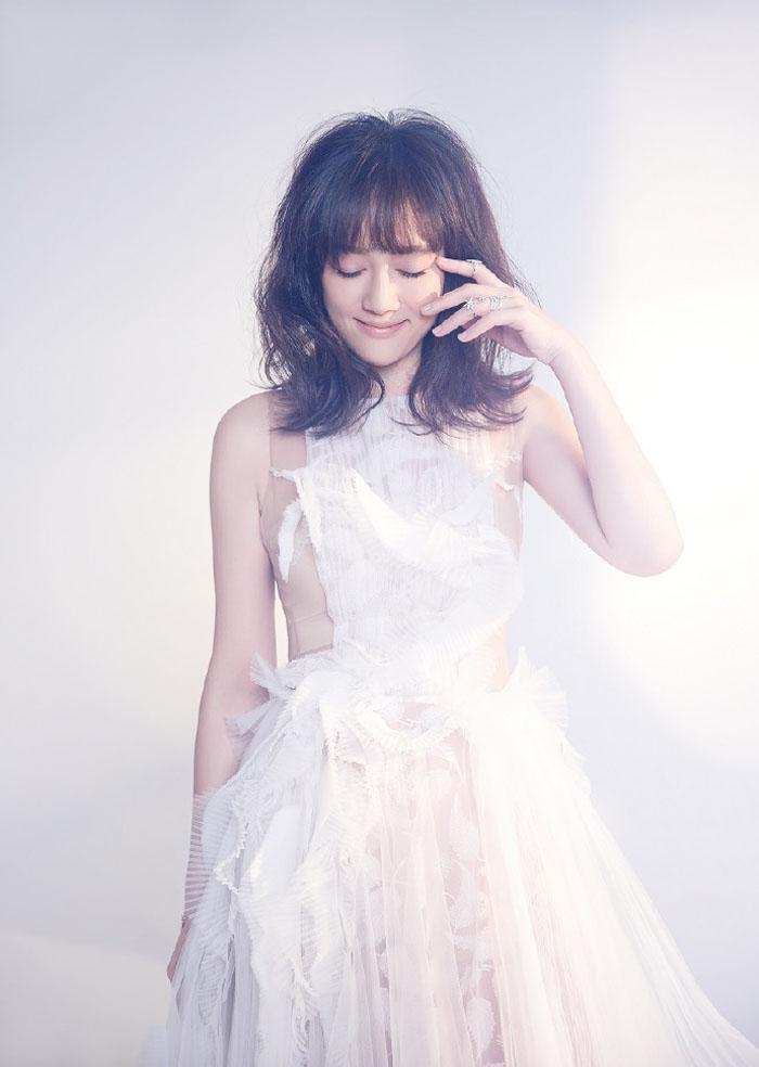 Shirley杨陈乔恩最新时尚写真,化身白色奇幻仙子唯美动人 娱乐 第8张