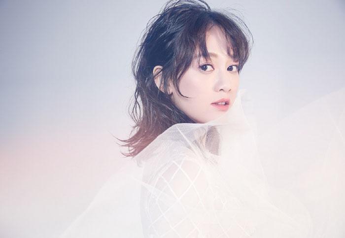 Shirley杨陈乔恩最新时尚写真,化身白色奇幻仙子唯美动人 娱乐 第4张