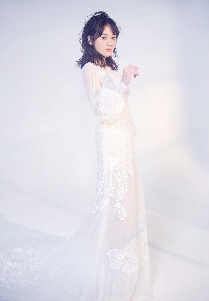 Shirley杨陈乔恩最新时尚写真,化身白色奇幻仙子唯美动人 娱乐 第7张