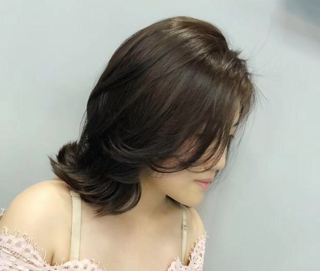 减龄微卷短发发型,美容时尚短发图片,喜欢的妹子赶紧来 发型 第3张